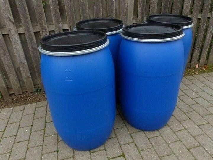 بشکه های آبی پلاستیکی