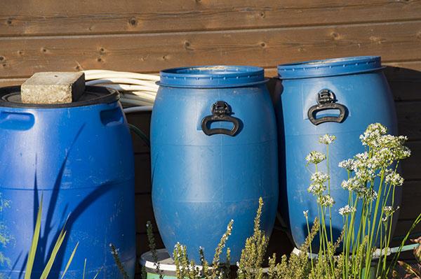بشکه های آبی پلاستیکی 55 لیتری