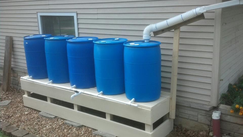 بشکه های جمع آوری کننده آب باران مسکونی