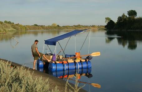 ساخت قایق با استفاده از بشکه
