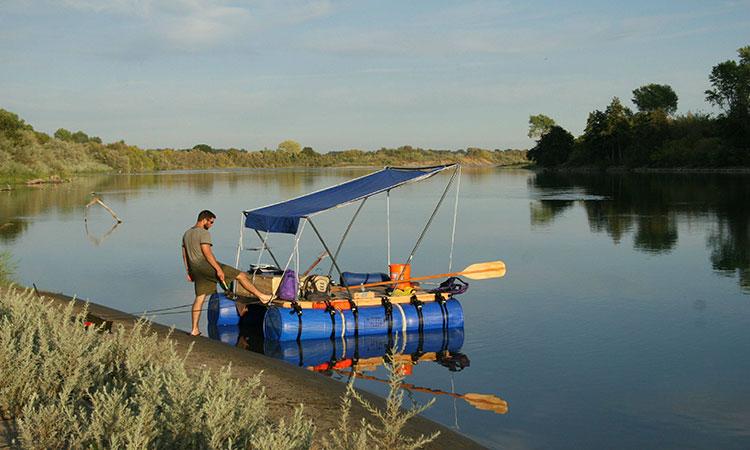 ساخت قایق با بشکه