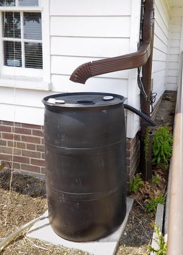 ذخیره آب باران
